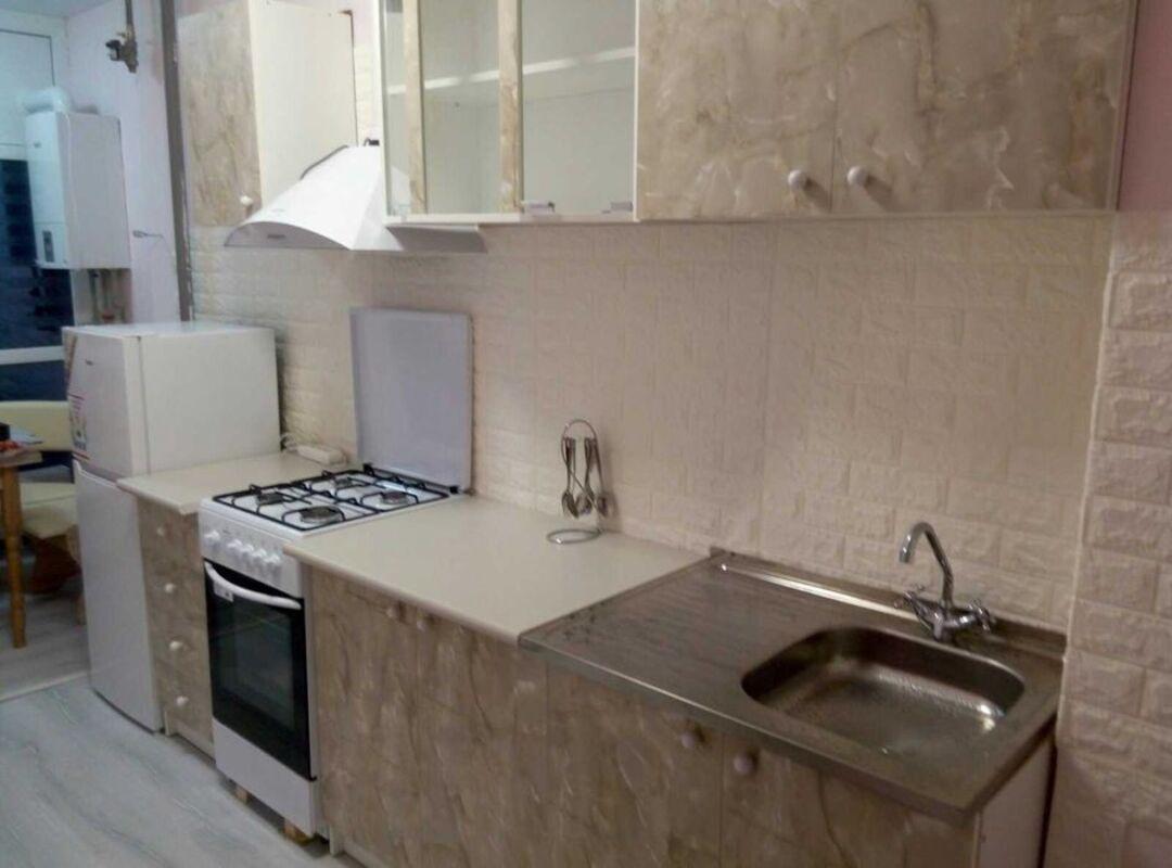 1-комнатная квартира с ремонтом на Маршала Малиновского