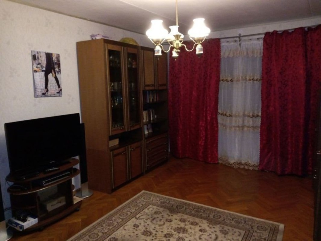 Квартира на улице Тенистая в Обкомовском доме