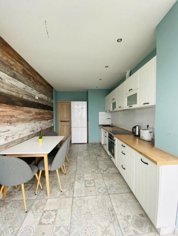 2 комнатная квартира с ремонтом на Среднефонтанской