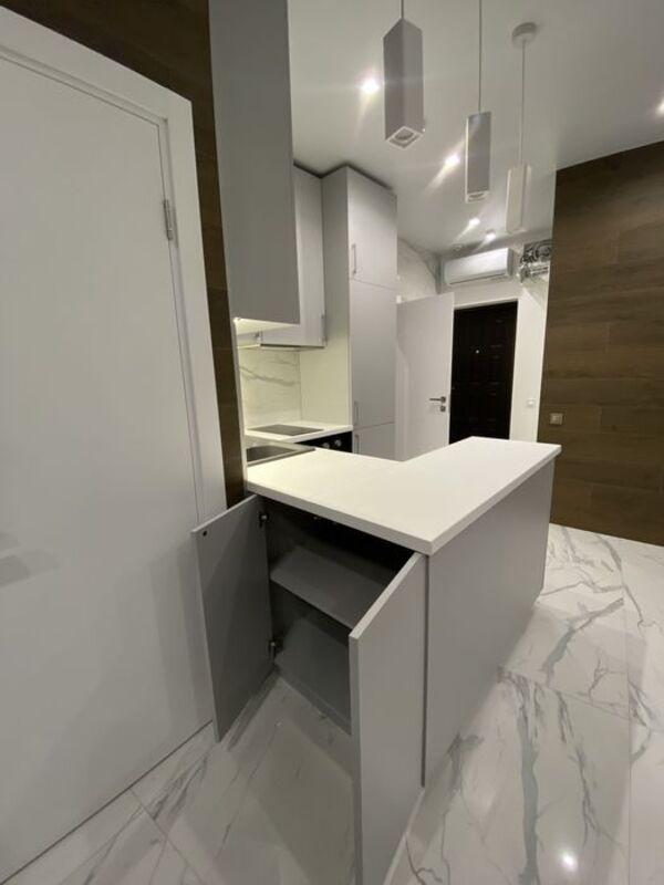 1 комнатная квартира с ремонтом в 36 Жемчужине