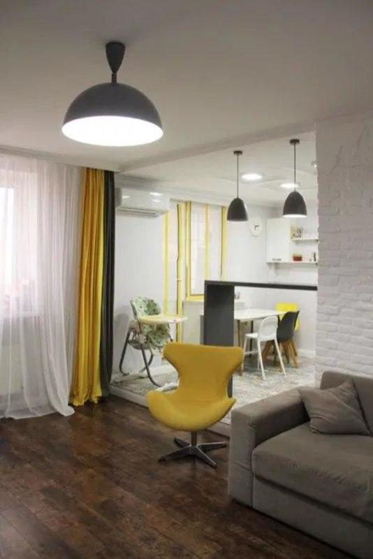 2 комнатная квартира с ремонтом на Центральной