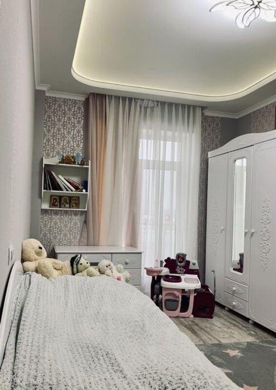 4 комнатная квартира с ремонтом в 23 Жемчужине