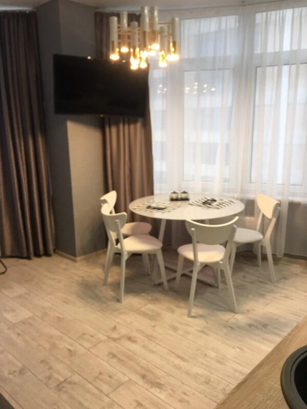 1 комнатная квартира с ремонтом в 44 Жемчужине