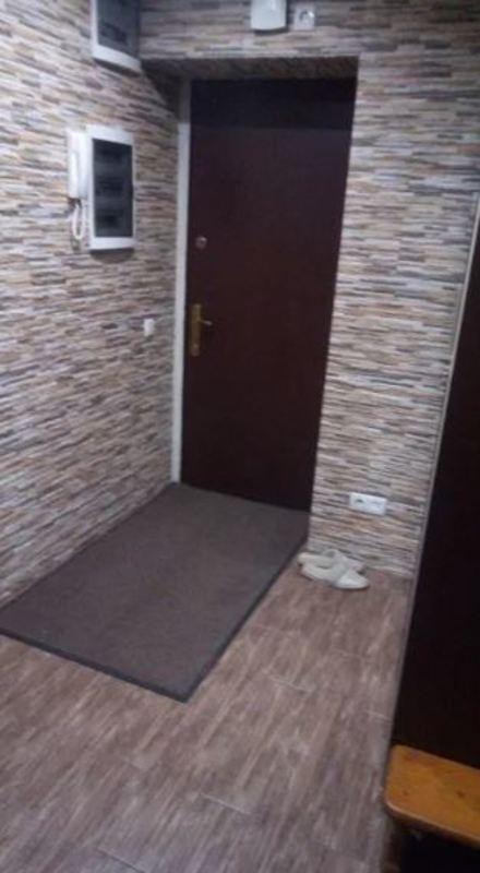2 комнатная с ремонтом в Приморском районе