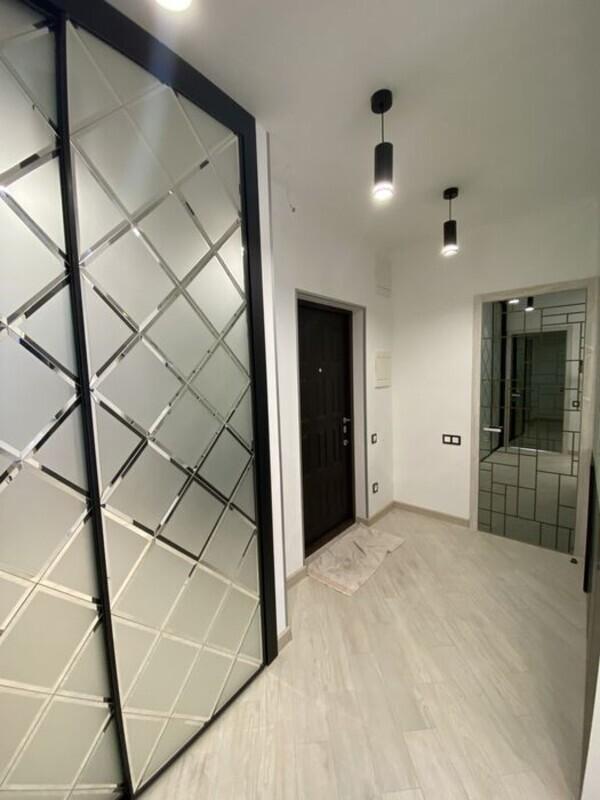 2-комнатная квартира с ремонтом в 43 Жемчужине.