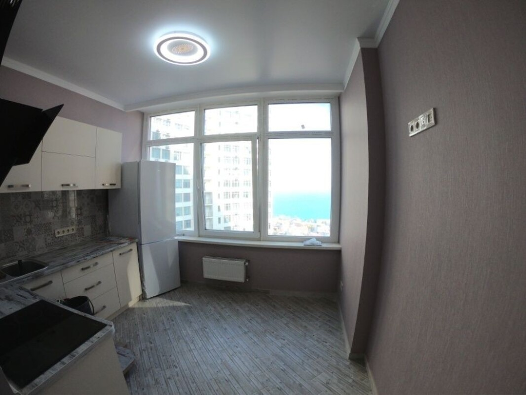 1 комнатная квартира с ремонтом в 32 Жемчужине