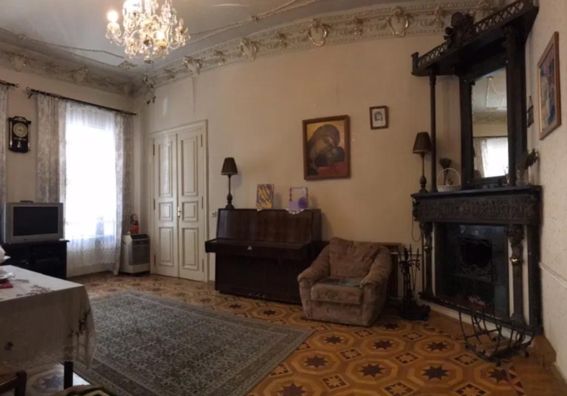 Просторная квартира на улице Маяковского