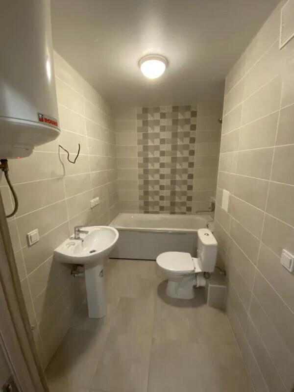 1 комнатная квартира с ремонтом в ЖК Артвиль