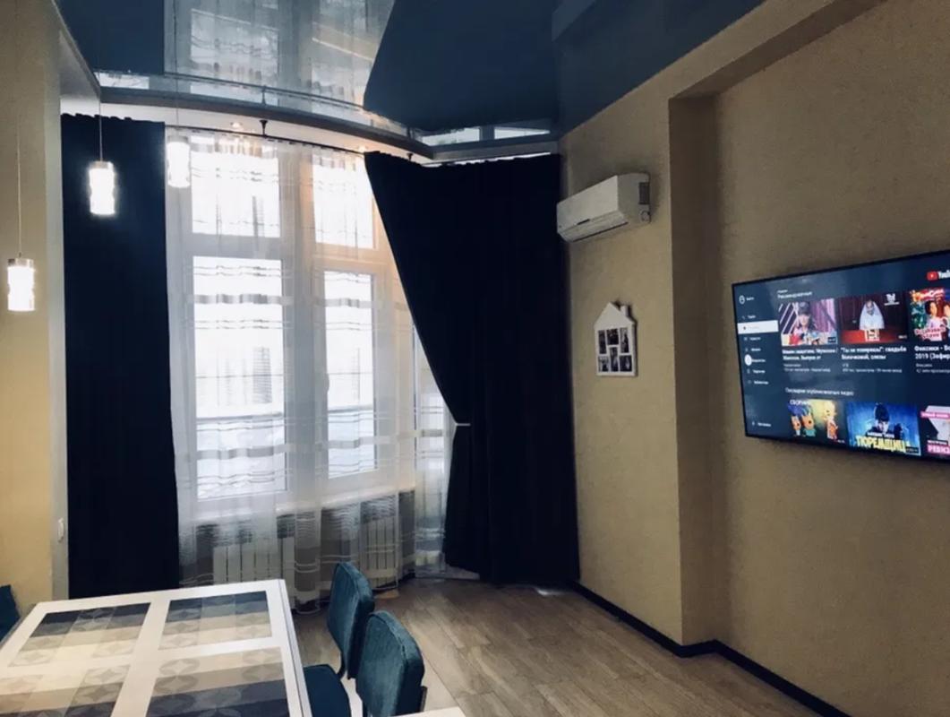 3 комнатная квартира-студия на Маршала Жукова