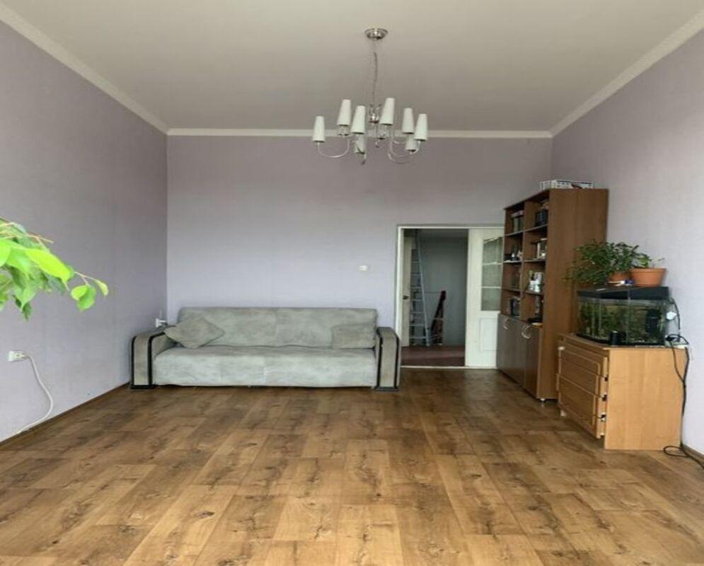 Двухуровневая квартира в Киевском районе