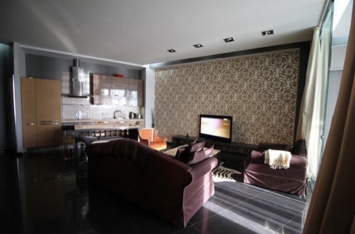 2-комнатная квартира с террасой в Аркадийском Дворце