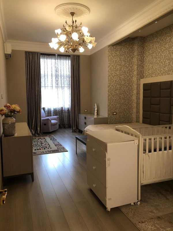 5 комнатная квартира в ЖК Корона Аркадии