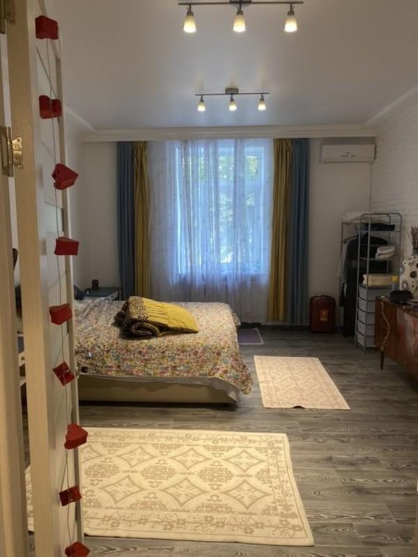 4-комнатная квартира в центре на Екатерининской