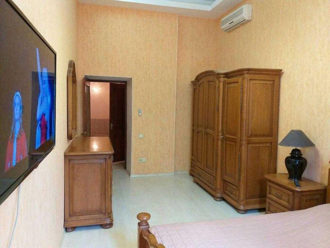 2-комнатная квартира по улице Дерибасовской