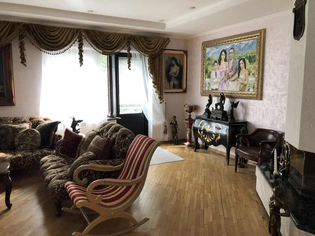 6 комнатная квартира в центре на Канатной