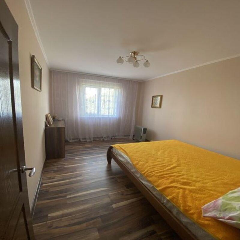 Трёхкомнатная квартира в Малиновском районе