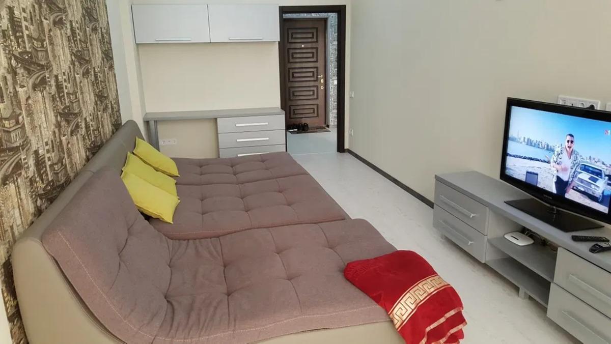 1 комнатная квартира с ремонтом в 6 Жемчужине