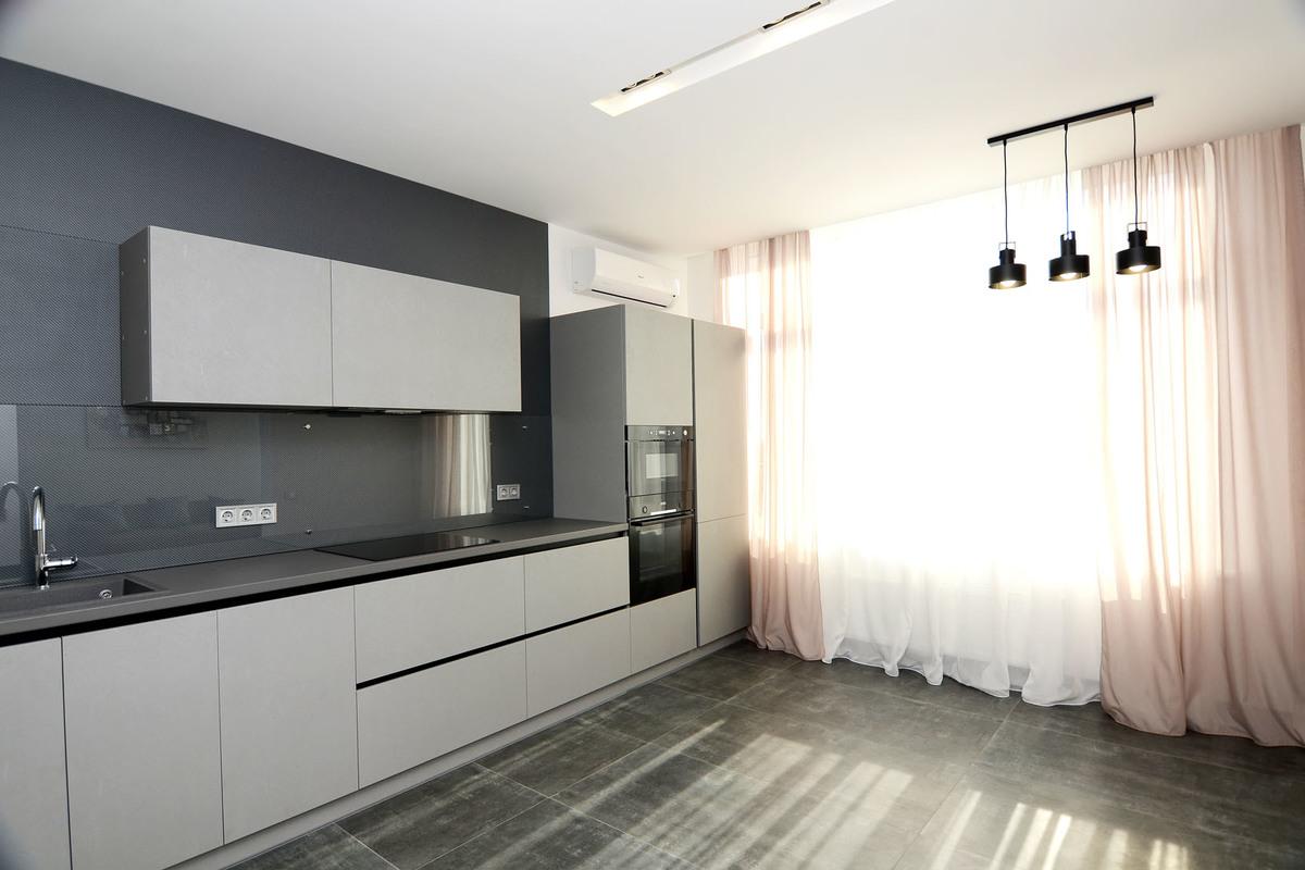 1 комнатная квартира с ремонтом в 35 Жемчужине