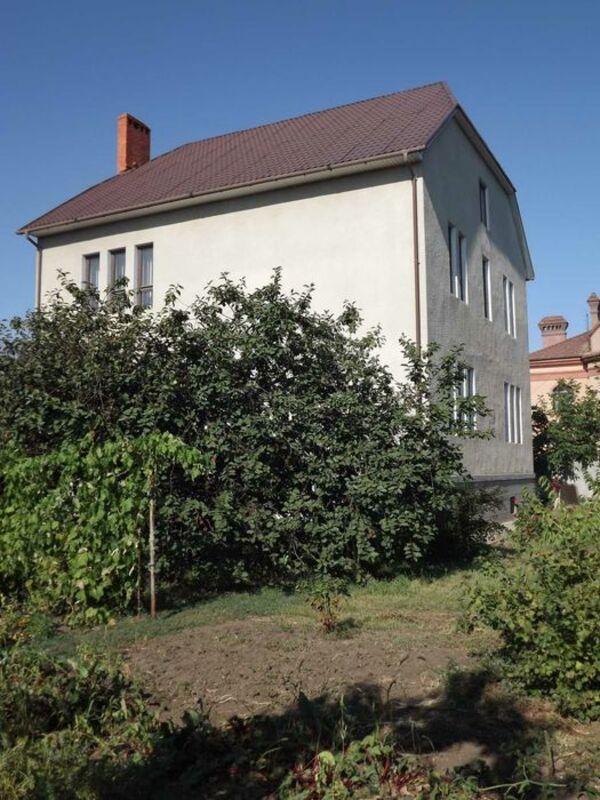 Дом в Червоном хуторе с большим земельным участком для комфортного проживания все семьи