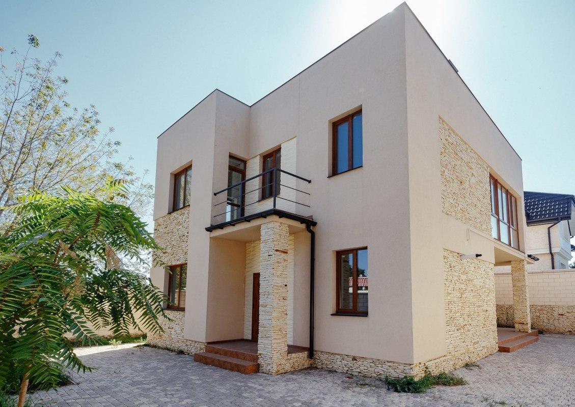 Двухэтажный дом в Совиньоне
