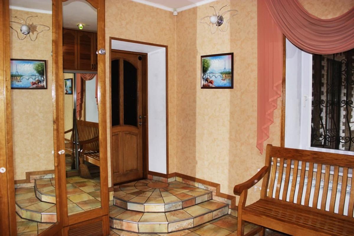 Дом в пер. Шолохова (между улицами Львовская и Костанди)