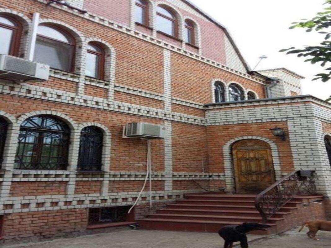 Четырёхэтажный дом в Киевском районе