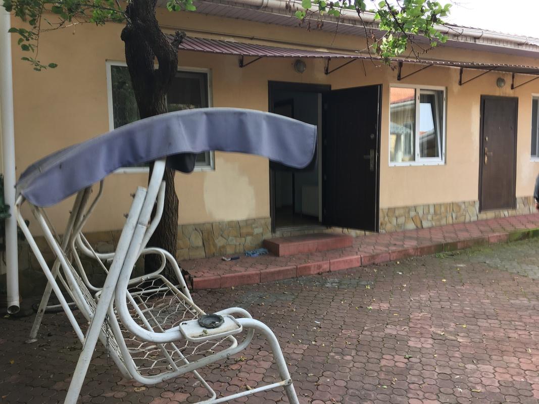 Дом на 11 Фонтана для бизнеса