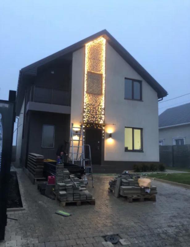 2 этажный дом с авторским ремонтом в Червоном хуторе