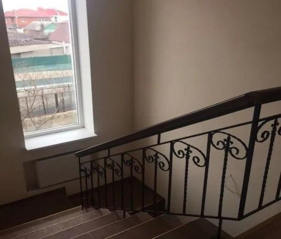 2-х этажный новый дом на Толбухина
