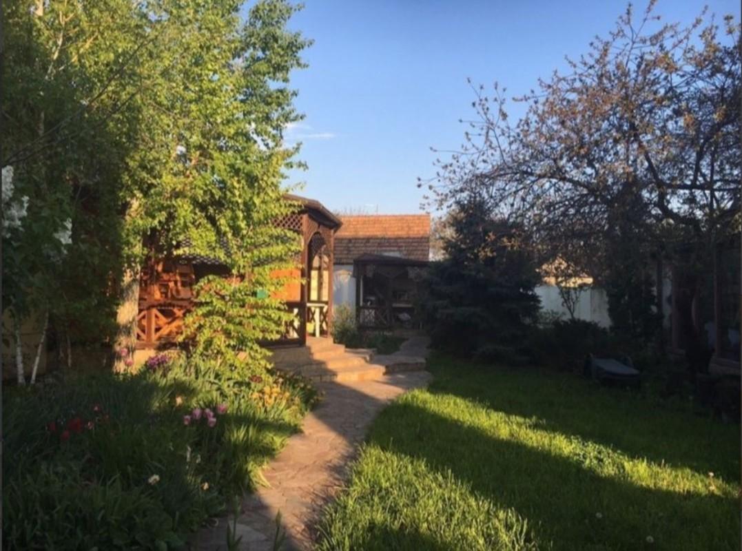 Дом с участком 11 соток на улице Пилотная