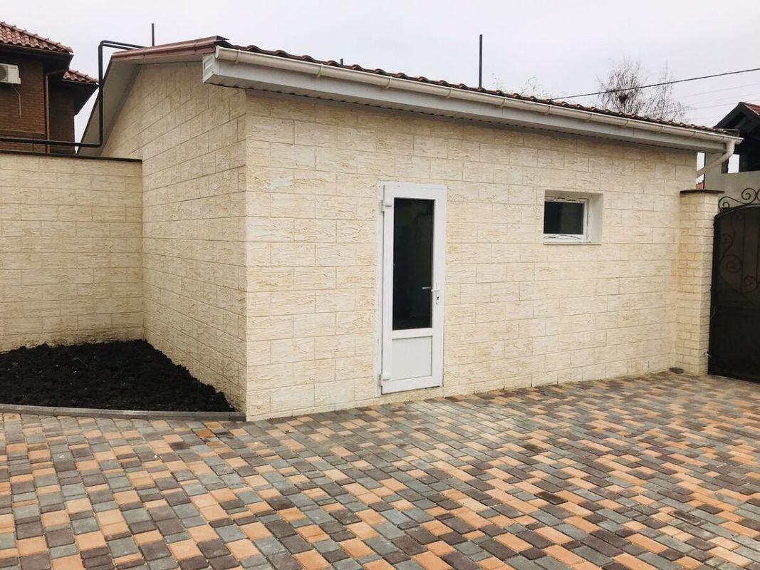 Дом с ремонтом в Червоном Хуторе