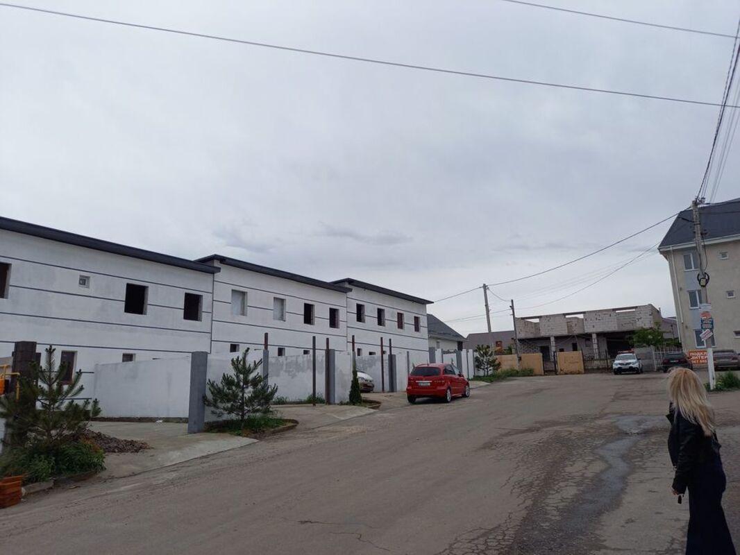 Двухтажный таунхаус в Червоном Хуторе