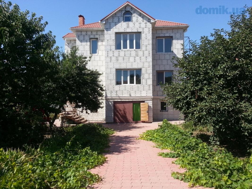 Двухэтажный дом на поселке Котовского