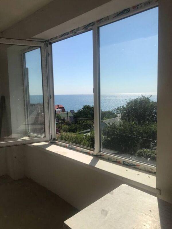 Частный 3-этажный дом с видом на море