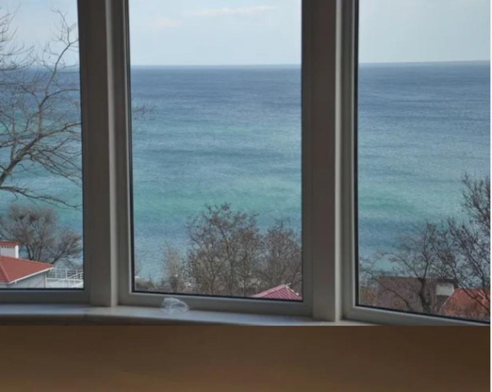 Дом с видом на море на Ветрова/ Дача Ковалевского