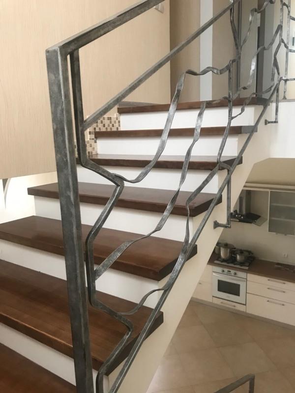 Двухэтажный дом с ремонтом на 6.5 станции Большого Фонтана