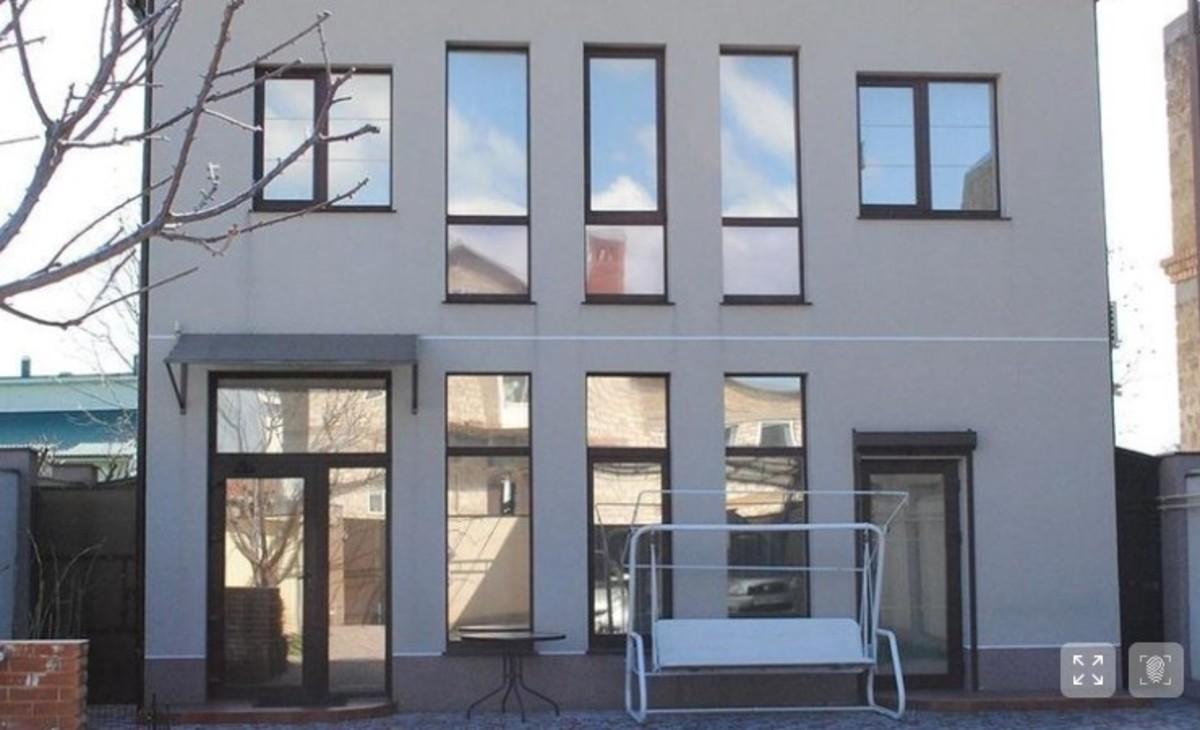 Двухэтажный дом в Совиньон-4