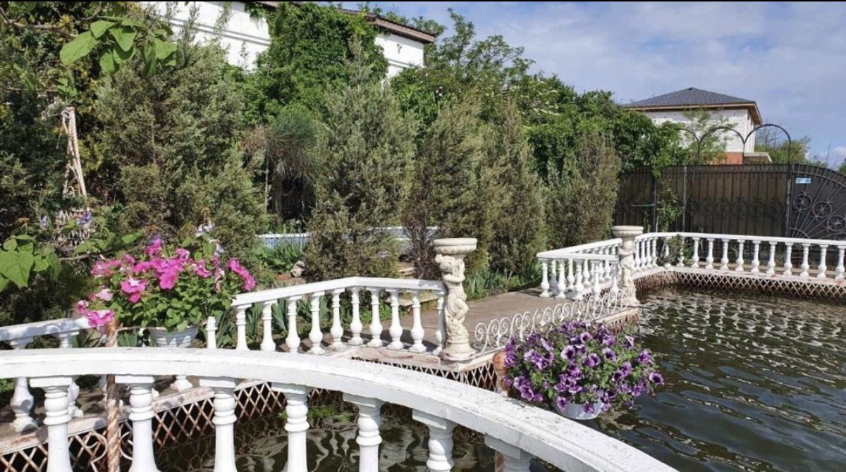 Дом загородный с выходом на Грибной канал