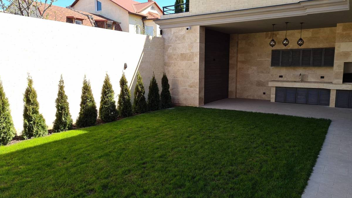 Новый стильный дом на Фонтане.