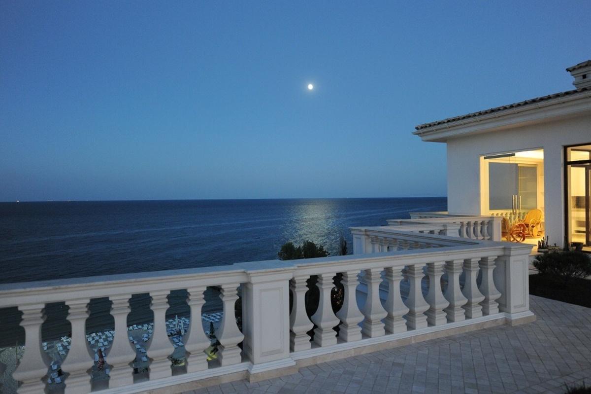 Премиум резиденция в первой линии от моря