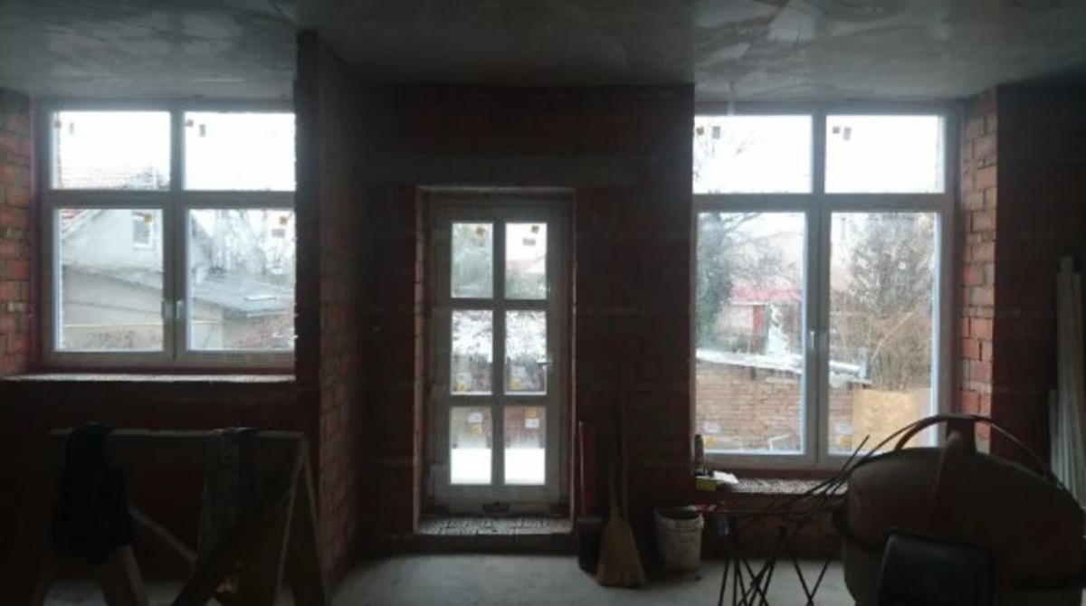 2 этажный дом на 10 станции Фонтана