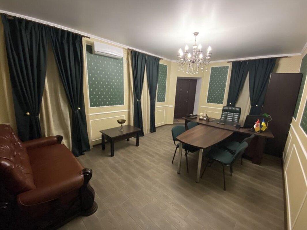 Фасадное помещение по улице Лазарева
