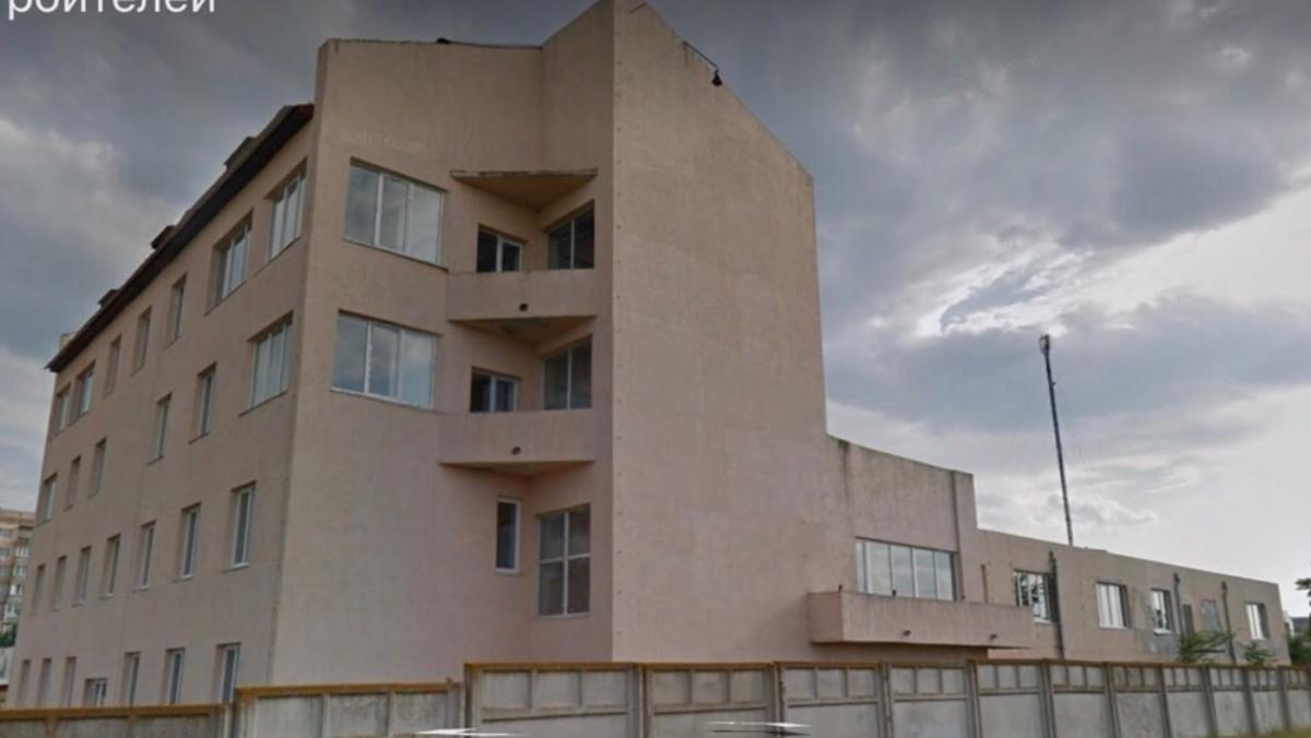 Отдельно стоящее 4 этажное здание в г. Южный